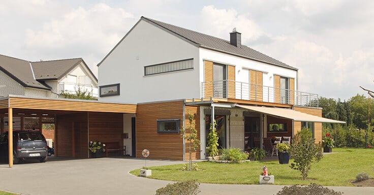 Einfahrt Einfamilienhaus